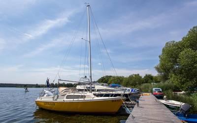 Niegripper See mit Bootsanleger © Stadt Burg